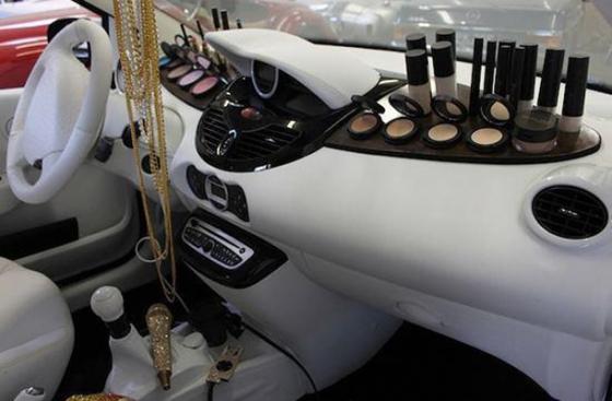 Maquiagem no Carro2