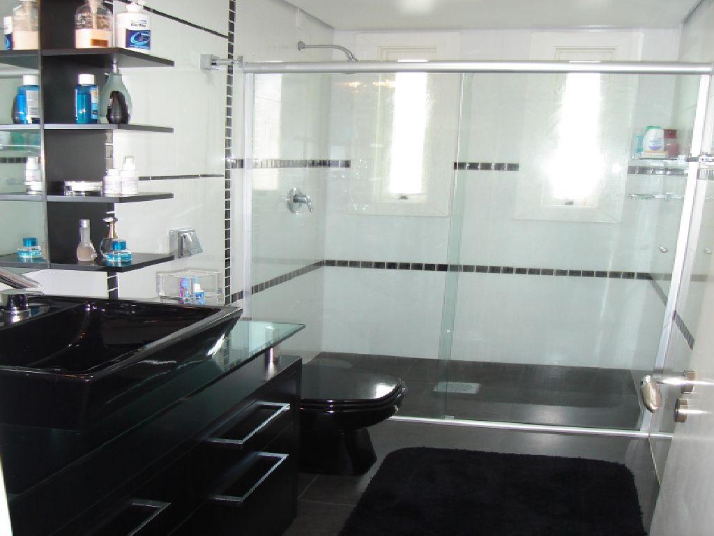 Banheiro escuro ou claro? #51607A 1024x768 Banheiro Branco Preto E Cinza