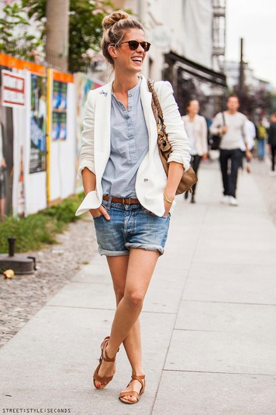 white blazer street style seconds 2